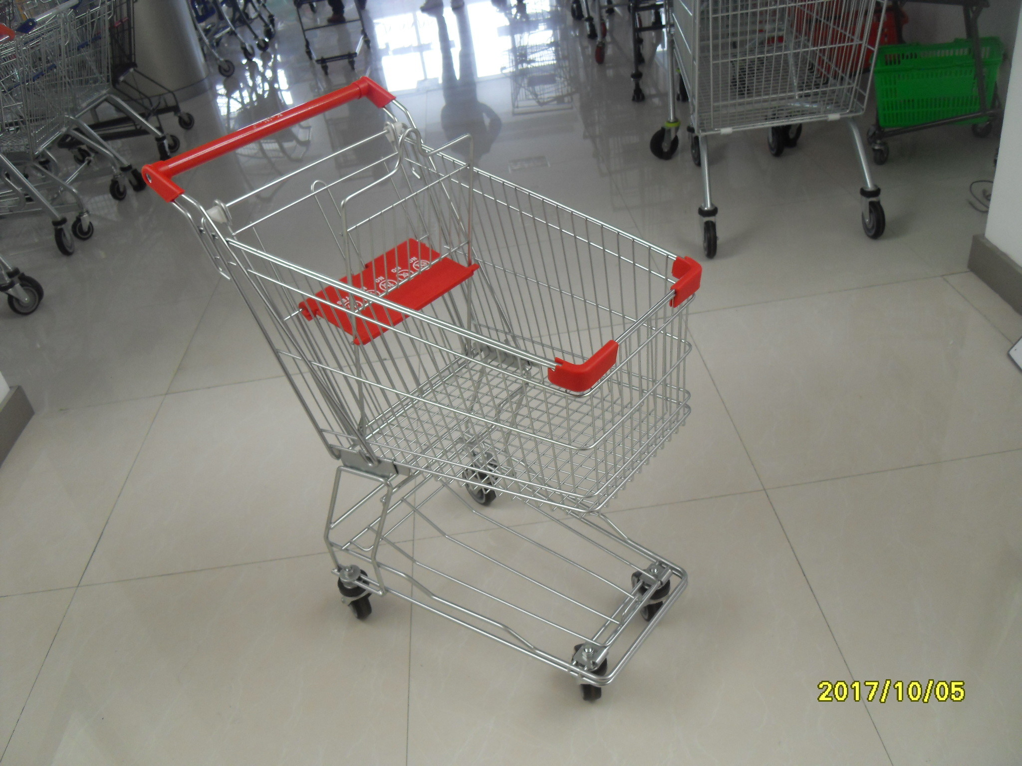 Zinc Plating Powder Coating Grocery Shopping Cart With Anti UV Handle 100L